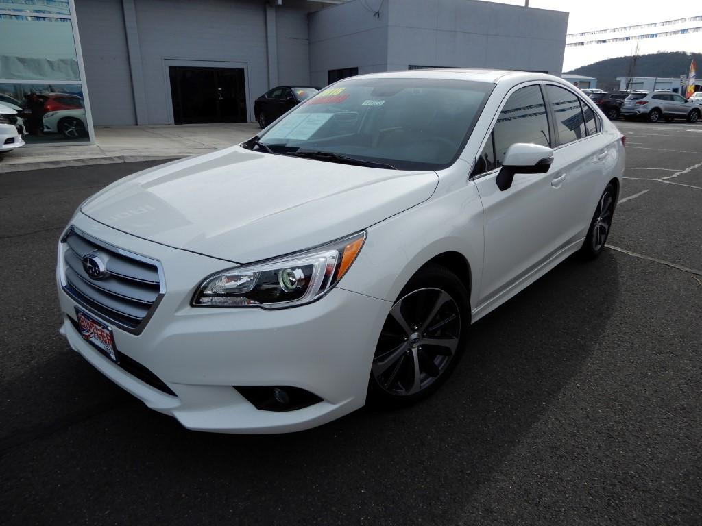 Pre-Owned 2016 Subaru Legacy Limited